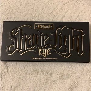 Kat Von D Shade+Light Eyeshadow Palette